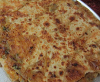 Pyaz ka Paratha recipe (Onion paratha) north Indian breakfast recipe