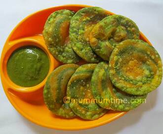 Spinach and Carrot Puri/Poori