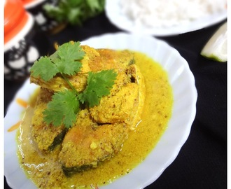 Ilish Bhapa/ Hilsa in Coconut and Mustard Gravy