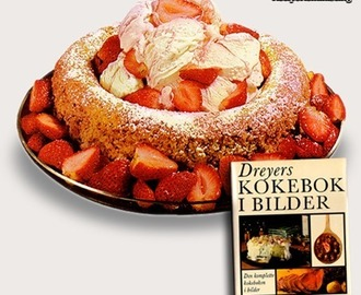 Almond Wreath With Ice Cream & Strawberries / Mandelkrans Med Is & Jordbær