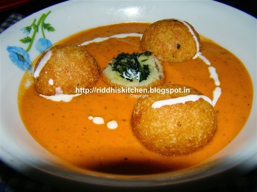 Spinach And Paneer Kofta In Makhani Gravy