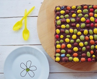 Chocolate and petit beurre biscuits Cake