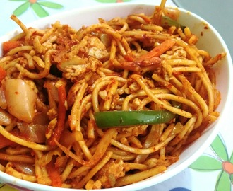 Spicy Egg Noodles using hot chilli sauce