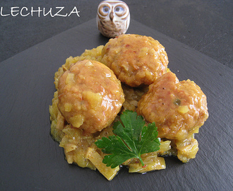 ALBÓNDIGAS AL CURRY CON ARROZ BASMATI