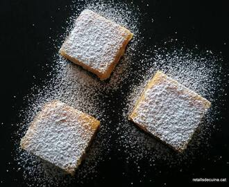 Quadrats de llimona o lemon bars