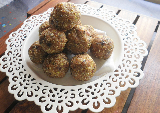 Dry Fruits Ladoo | Dates & Nuts Balls | Festive Sweet Recipe
