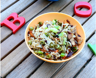 Little People Food–Vegetable, Tofu and Egg Fried Rice with Brown Rice