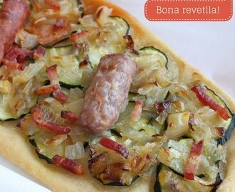 Bona revetlla! I coca de carabasso amb ceba / Zucchini and onion tart for Saint John's eve