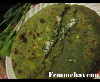 Paneer- Palak Paratha (Cottage Cheese stuffed Spinach Flatbread)