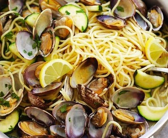 Spaghetti with Clams and Zucchini