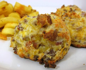 Football Friday - Bacon Cheeseburger Puffs