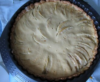 Apple Tart with Cream Cheese Topping