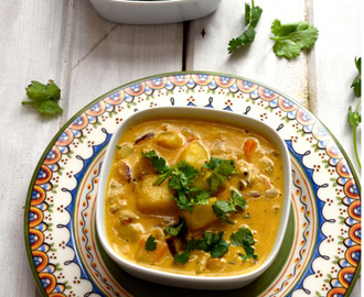Kerala Style Potato Curry with Coconut Milk