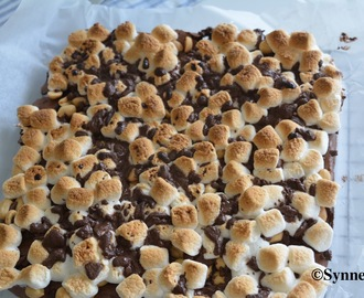 Brownies med marshmallows og peanøtter