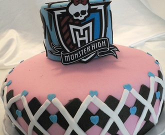 TARTA MONSTER HIGH PARA NURIA