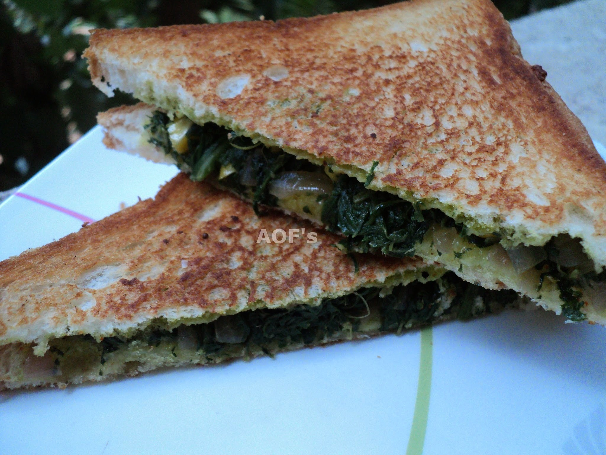 Spinach and Sweet corn Sandwich