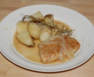 Braised Pork Chops With Onions and Rosemary