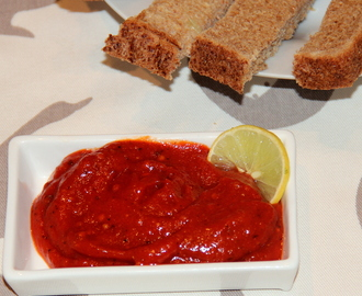 Roasted bell pepper and tomato dip/chutney