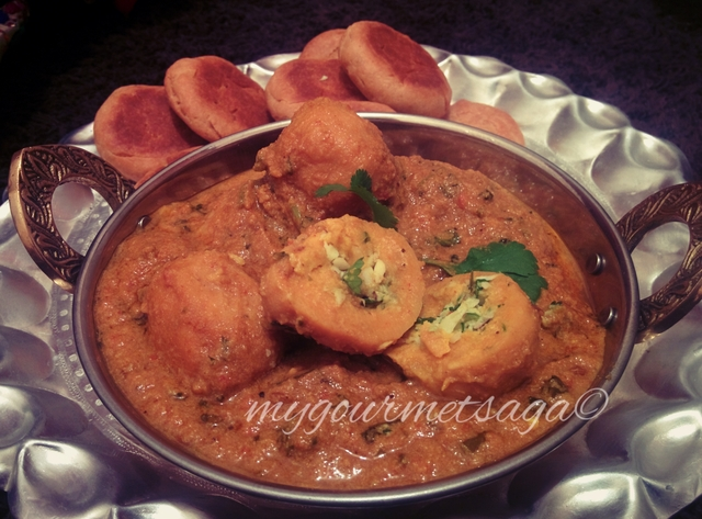 Govind aka Shahi Gatte-Stuffed & Steamed Gram flour Dumplings in Curry