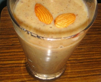 Almond Dates Smoothie – Healthy Breakfast smoothie