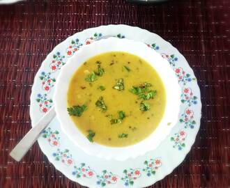 Lasooni Dal Recipe – Delicious lentils with garlic Indian dish
