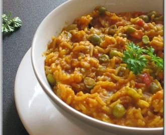 Baby Prawn And Vegetable Masala Khichdi.. Pressure Cooker Version.