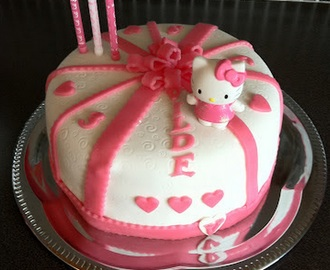 Hello Kitty kake