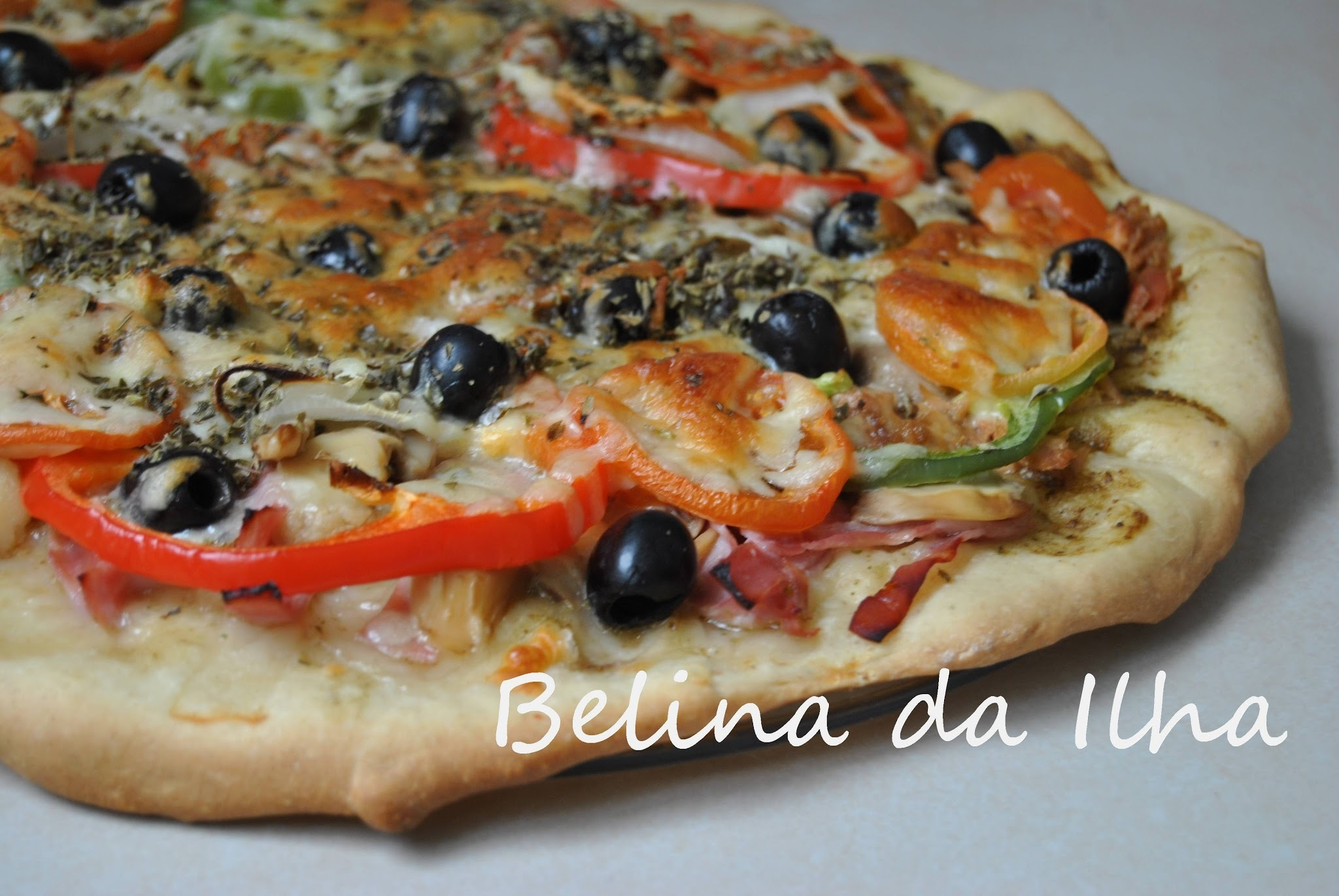 Pizza integral de espelta com pesto