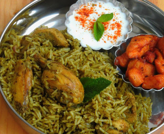 Herbal Chicken Biriyani/Green Chicken Briyani/Mooligai Kozhi Biriyani