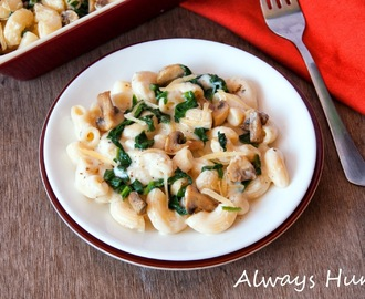 Creamy Spinach and Mushroom pasta with a hint of nutmeg
