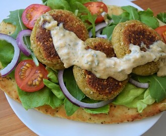 Easy falafel with salads