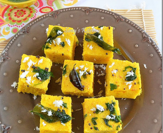 Instant Dhokla – 5 Minutes Khaman Dhokla In Microwave