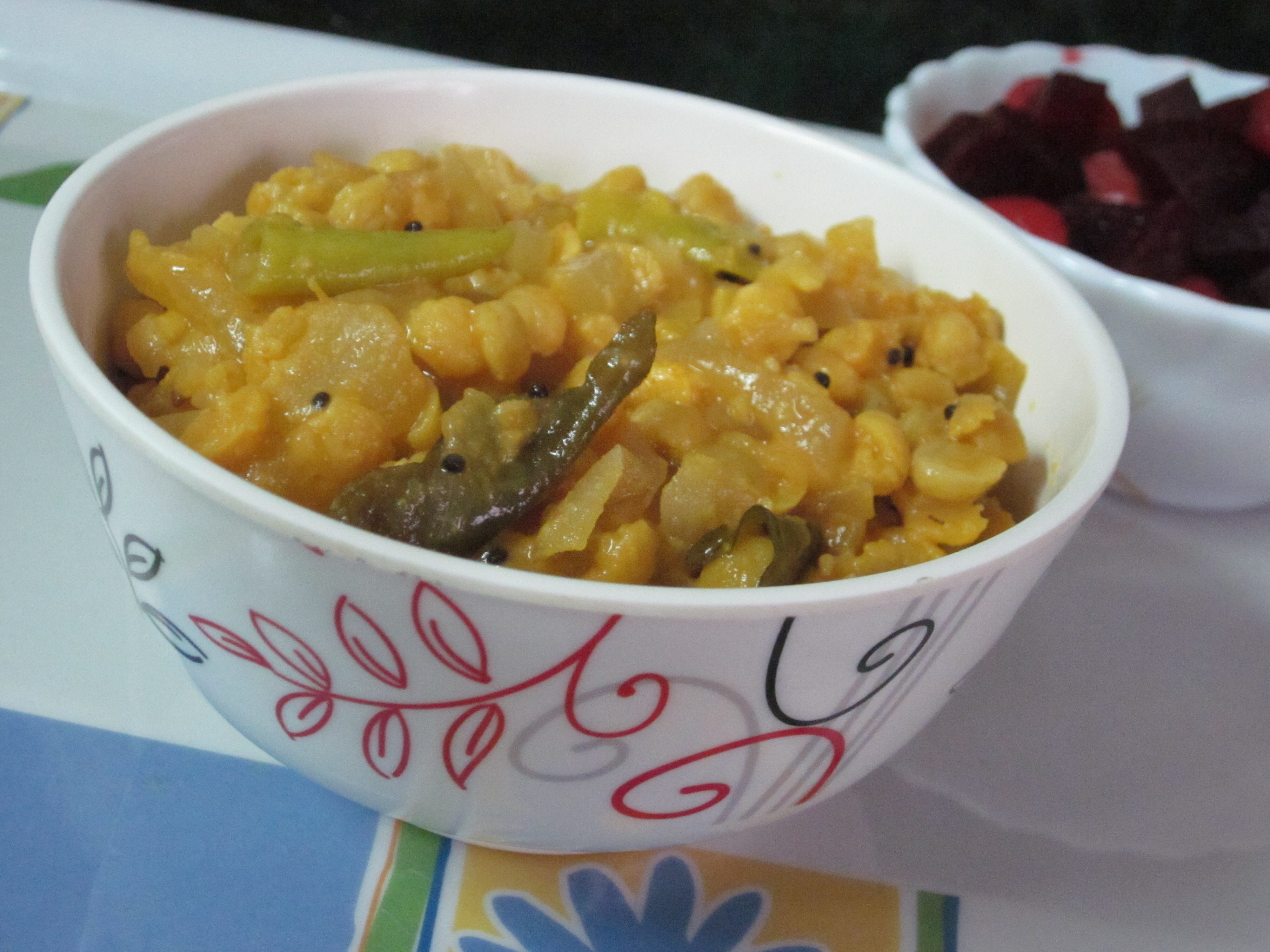 DOSAKAYA SENAGAPAPPU KOORA/ Yellow cucumber channa dal curry
