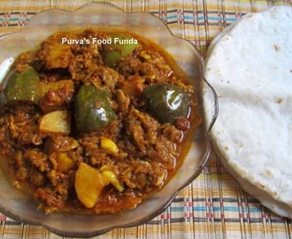 Dried Tiny Prawns Curry With Brinjal and Potato (Sukat vang-batata)