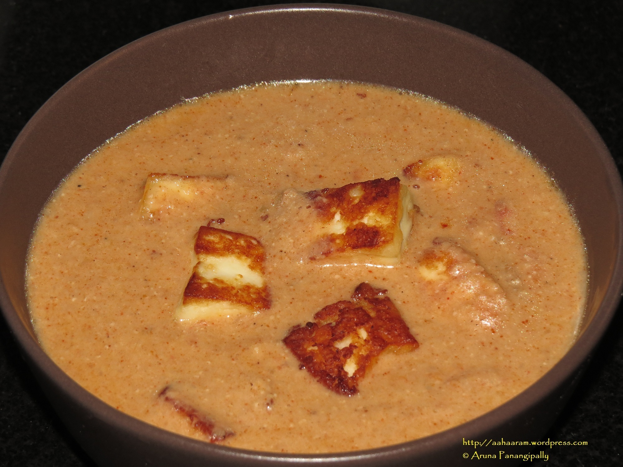 Mughlai Paneer (Cottage Cheese in Rich Onion-Tomato Gravy)