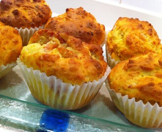 Muffins Salados de Jamón, Queso Brie y Tomate