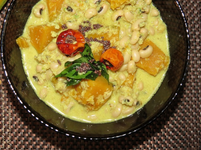 Mathanga Erissery – Pumpkin and Black-Eyed Peas in a Coconut Gravy (Onam Sadya Recipe)