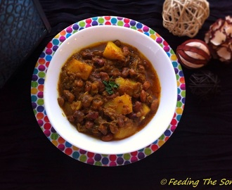 Guest Post: Aloo Boda Tarkari (Potato And Cow Peas Curry) by Sanjana of Feeding the Sonis