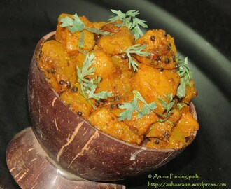 Khatti Meethi Teekhi Kaddu ki Sabzi – Sweet, Tangy and Spicy Red Pumpkin Curry