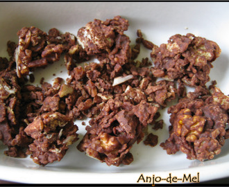 Snacks Crocantes com Chocolate & Frutos Secos