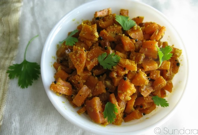 Carrot Poriyal ~ Carrot stir fry with coconut