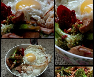 Thai style Chicken and Rice bowl with fried Egg