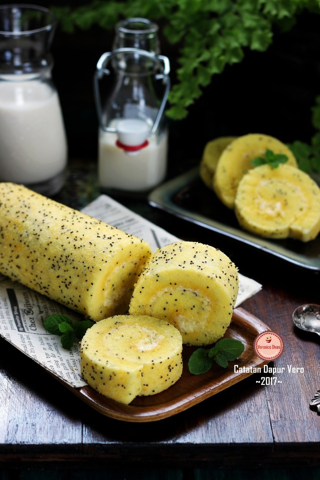 BOLU GULUNG POPPY SEEDS