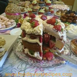 MADEIRA CAKE WITH STRAWBERRY AND CREAM CHEESE TOPPING AND FILLING