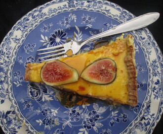 Ricotta Tart with Honey and figs  Tarta de ricotta con higos y miel)