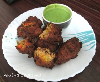 TOMATO CUCUMBER AND CAPSICUM FRITTERS