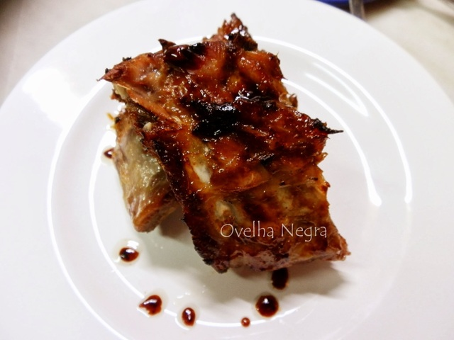 Entrecosto no forno com laranja e mel / Porc ribs with orange and honey