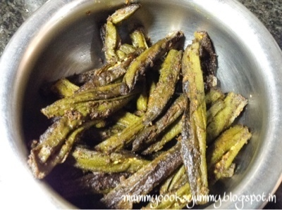 Spicy stuffed okra / Bharwa bhindi / Roasted okra stuffed with spices