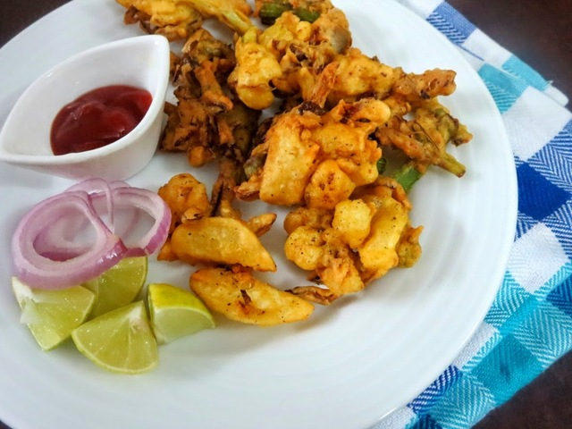 Veg Crispy | Crispy Vegetable Pakodas