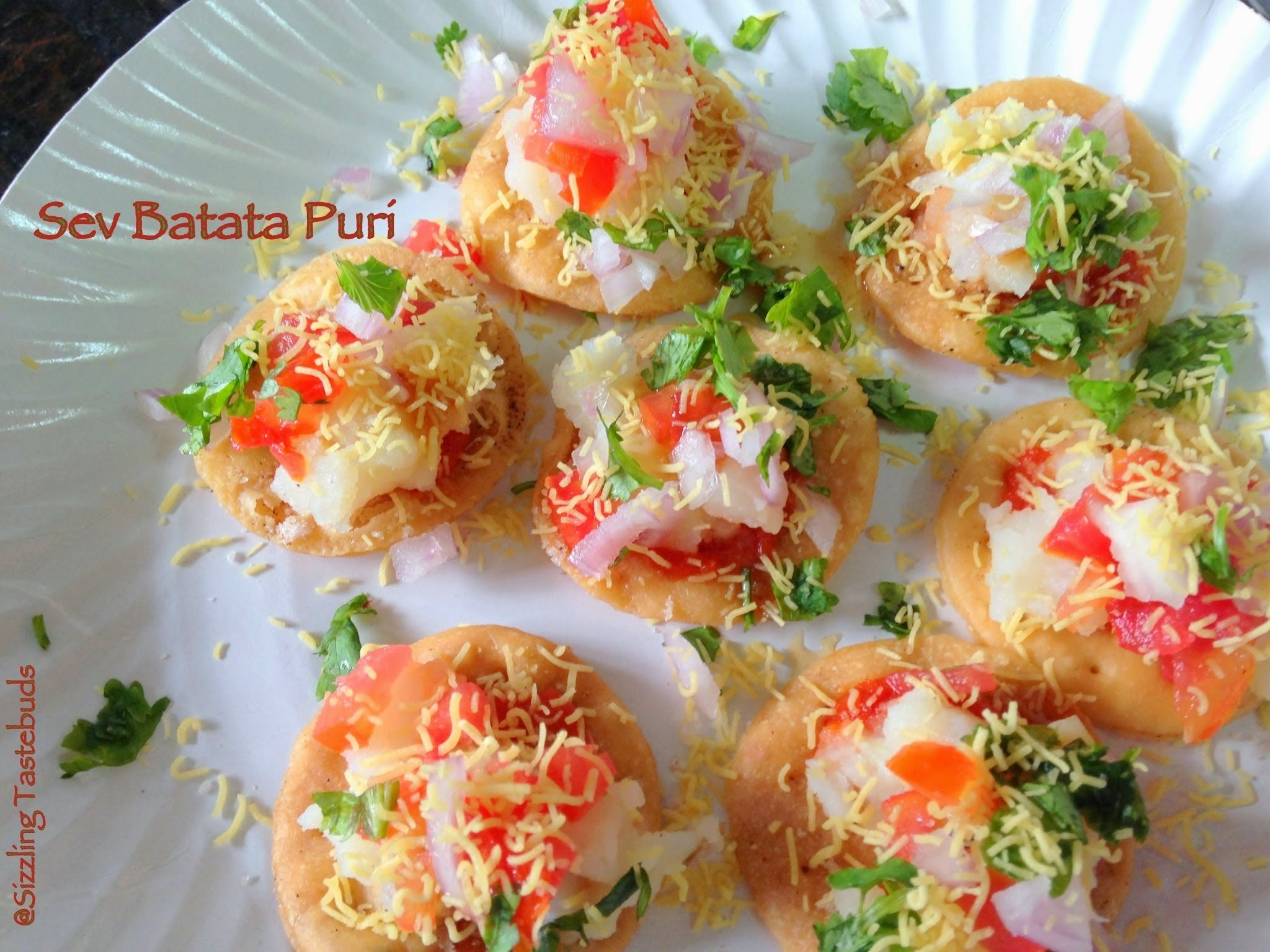 Sev Batata Puri | Easy Chaat recipes | Appetisers | Mumbai Street Food